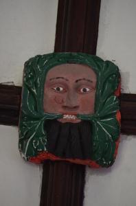Gut versteckt, unter der Decke, aber wir haben ihn gefunden: Den örtlichen Green Man