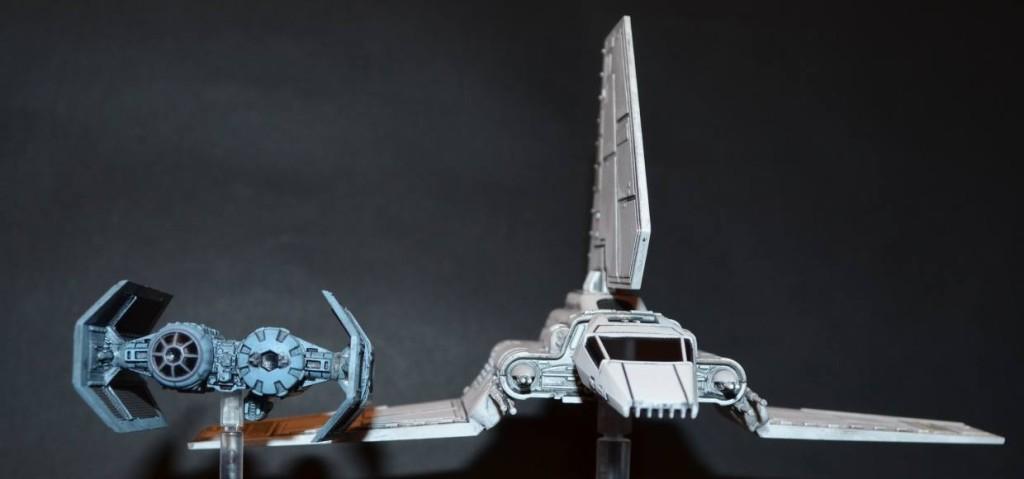 Lambda Shuttle Frontal (Mit TIE Bomber zwecks Größenvergleich)